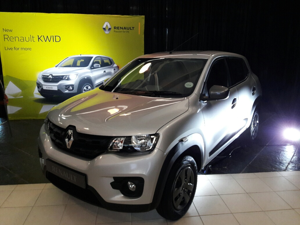 renault women With a range of hatchbacks, sedans, suvs and light commercial vehicles, renault australia makes quality cars with a spirit of 'joie de vivre' view the models.