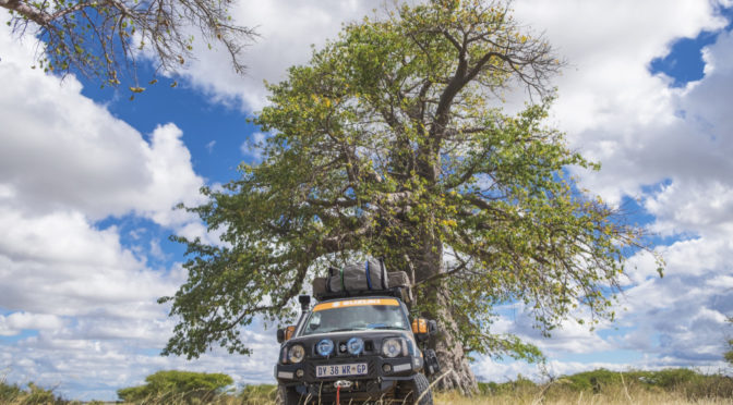 7 000 km five summits two adventurers and one Jimny