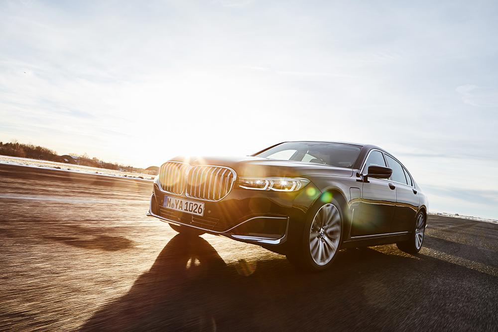 BMW 740 e-Hybrid   eco-conscious