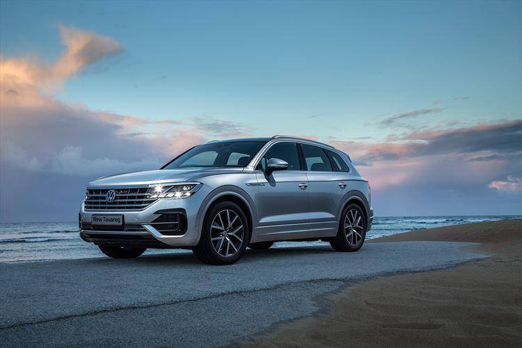 Car Review  New Volkswagen Touareg - Women on Wheels 7fd0d9bc5e