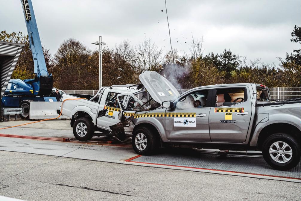 Global NCAP Car to Car crash test | #SaferCarsForAfrica | Nissan NP300 Hardbody | Nissan Navara NP300