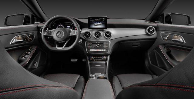 Mercedes-Benz CLA 200 d 4MATIC Coupé (C117) 2016. Jupiterrot, Interieur Leder schwarz. Kraftstoffverbrauch (l/100 km) innerorts/außerorts/kombiniert: 5,5/4,0/4,6  CO2-Emissionen kombiniert: 119 g/km