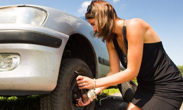 How to change tyre_istock