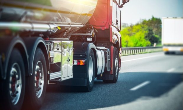 How to share the road safely and courteously with truck drivers these holidays_istock