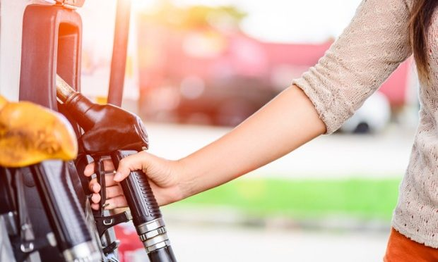 Retreating oil prices paint brighter picture for fuel users_istock