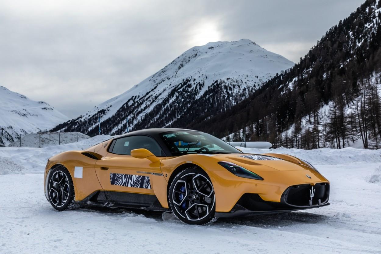 Maserati MC20 put to the test on snow