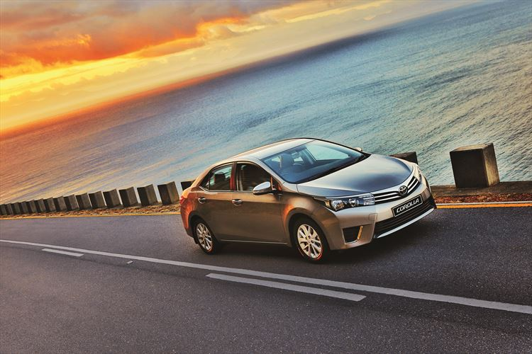 Toyota Corolla 2015 Driving along the ocean