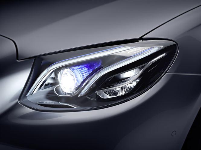 Mercedes-Benz E-Class lighting
