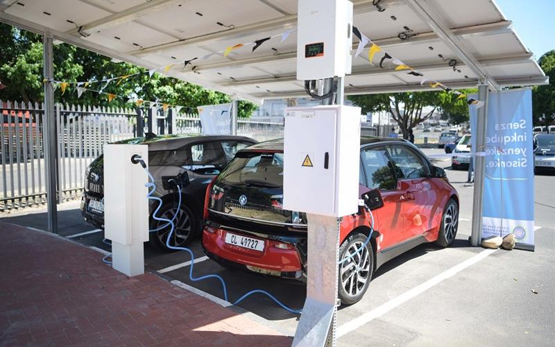 Free electric car charging station opened in Cape Town