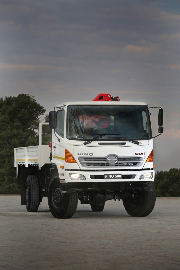 Hino now offers choice of single or double rear wheels on 500 series