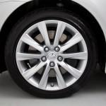 Lexus IS 200t - wheel