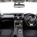 Lexus IS 200t - front seats