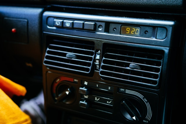 How airflow in cars affects COVID-19 transmission
